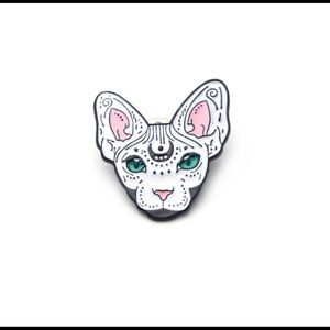 Sphinx white cat enamel fashion pin